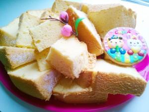 ひな祭りシフォンケーキ