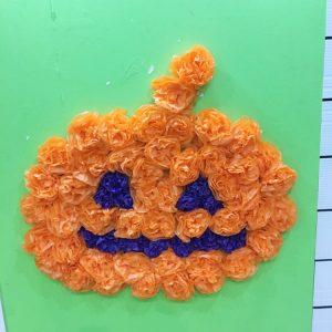 お花紙でかぼちゃ